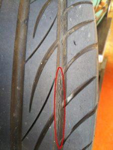 タイヤ亀裂1