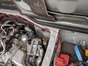 ハイエースディーゼル車バッテリー2個搭載ケーブルあり